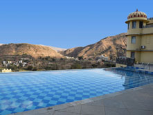Swimming-Pool-in-Kumbhalgarh